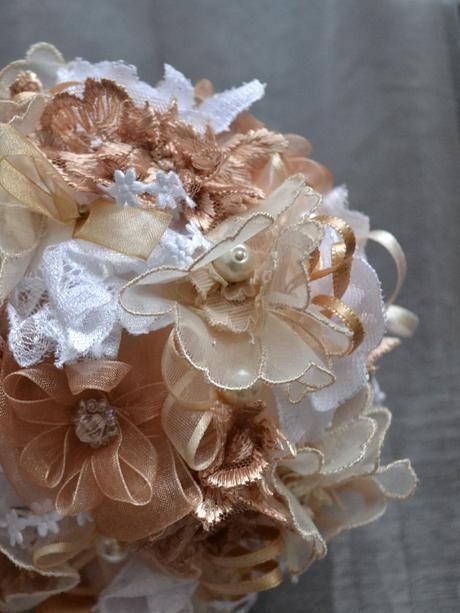 textilna svadobna kytica,