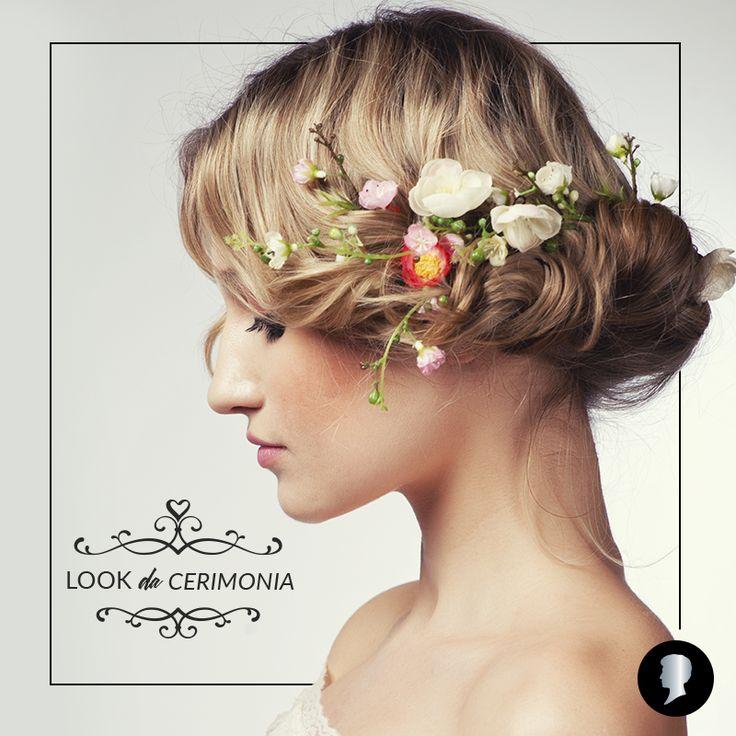 Lasciati conquistare.  Dì di sì alle nuove acconciature da sposa! http://bit.ly/LookSposa  #Testanera #Hairstyle #sposa #looksposa #bride #bridelook #hairlookbridal