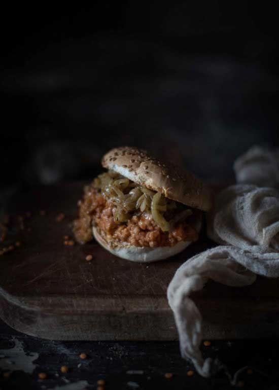 AMÍO Legumi - Panino ragù di lenticchie e peperoncini