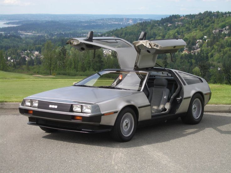 One of my ALL time fav Cars, the De Lorean!