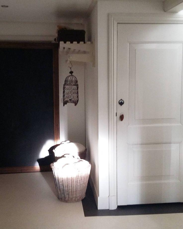 25 beste idee n over hal spiegel op pinterest ronde spiegels ingangs plank en kleine ingang - Idee gang ingang ...
