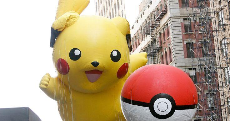 As fraquezas contra Pokémon do tipo Lutador. Os Pokémons do tipo Lutador foram primeiramente introduzidos em Pokémon Red e Pokémon Blue para Nintendo Game Boy. Esse tipo geralmente tem altos índices de ataque e defesa, e relativamente baixos índices de ataque especial e defesa especial. Para derrotar um tipo Lutador, use Pokémon do tipo Psíquico ou Voador dependendo das circunstâncias.