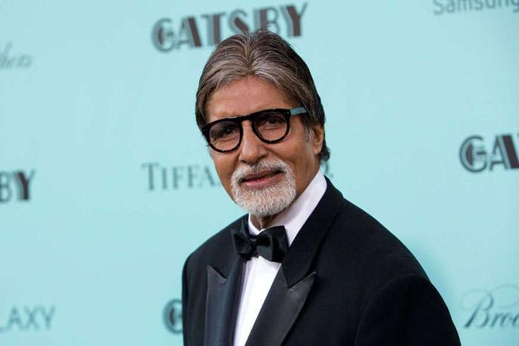 Amitabh Bachchan is no doubt the Shehenshah of Bollywood. At 75, he still is doing more films than other young stars of B-town. Last appeared in Ram Gopal Varma's 'Sarkar 3', Big B will next be seen in Vijay Krishna Acharya's 'Thugs Of Hindostan'. The film is...