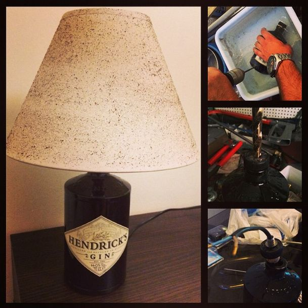 Candeeiro realizado a partir de uma garrafa de Hendrick's Gin. Abajur tratado com borra de café. http://instagram.com/pipacordeiro http://instagram.com/smove15