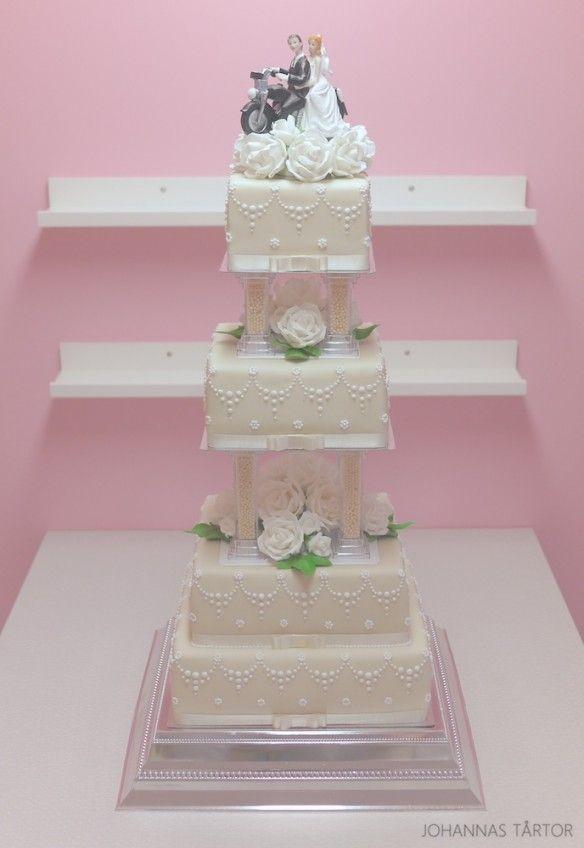 Lyxig bröllopstårta