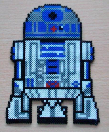sandylandya@outlook.es  R2 D2 Star Wars hama perler beads