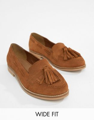 e5c86d08cf0 ASOS DESIGN Messenger Wide Fit Suede Tassel Loafers