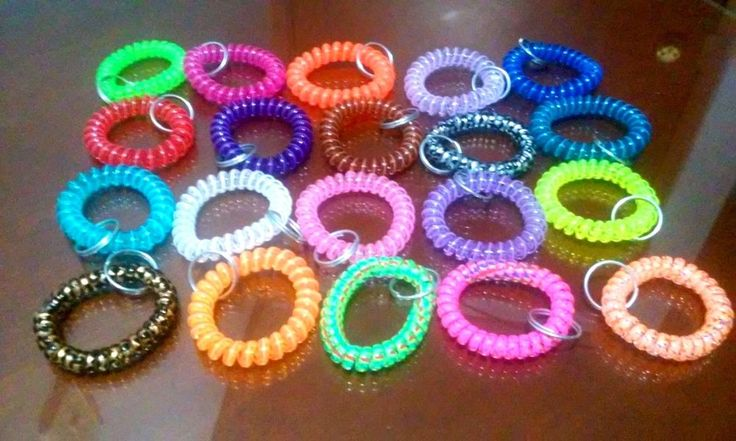 100 Spiral Stretchable Coil Wristband Keychain Colorful Lot Beach Party Favors