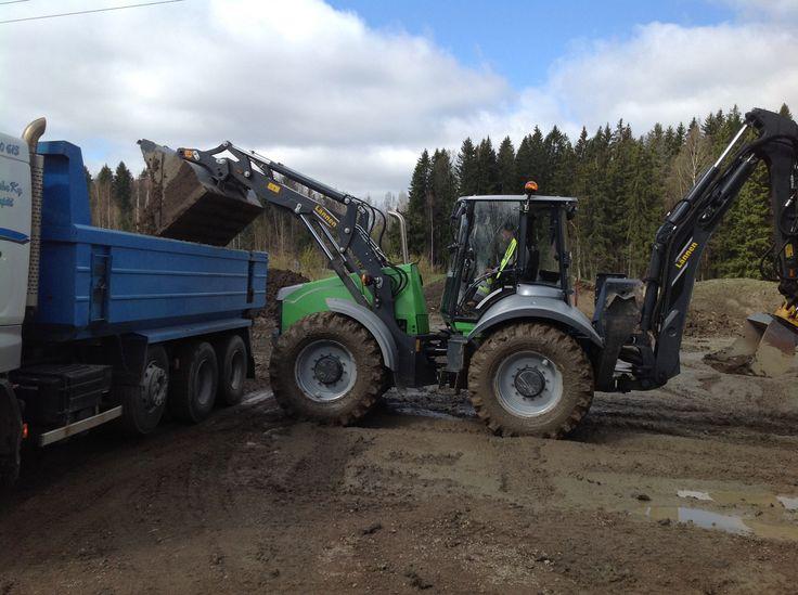 Tomi Hallia & Lännen multipurpose machine #infra #agility #strong #Lännen8600iv #backhoeloader #excavator