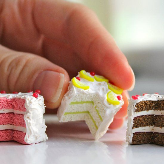 DIY polymer clay lemon cake tutorial. Make some mini cakes for your mini friends. #clay