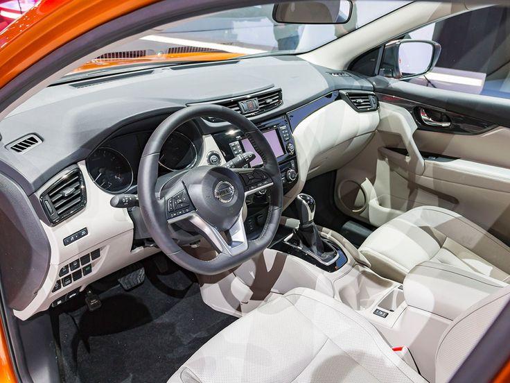 2019 Nissan Rogue Sport interior dashboard high technology