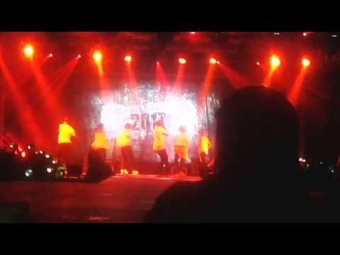 BTS EN MEXICO THE RED BULLET/ Tomorrow