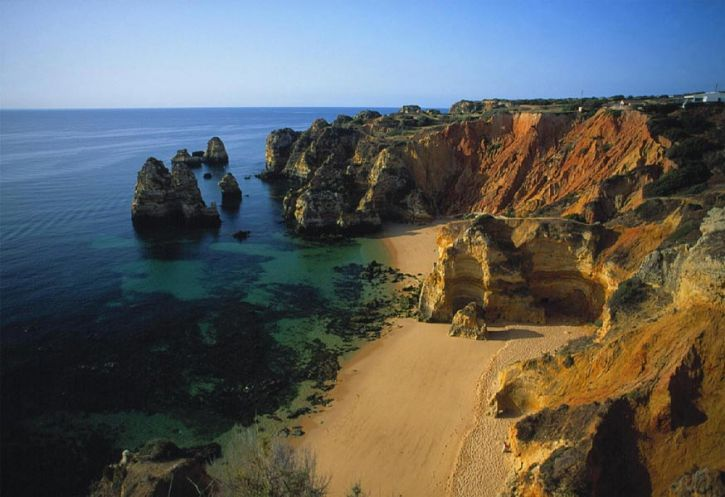 Praia da Dona Ana is often cited as the best beach on the Algarve, in fact it was even described as the 'best beach in the World' by magazine Condé Nast Traveller. That's quite a lot to live up to!