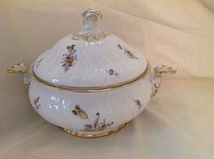 HUTSCHENREUTHER TWO HANDLED LIDDED TUREEN GERMAN DRESDEN SPRAY EXCELLENT FIRST