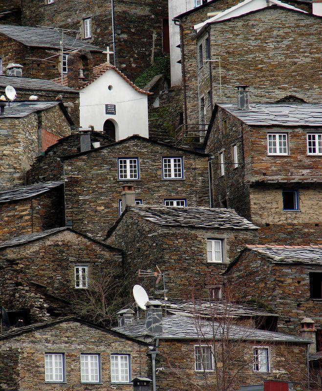 Piódão houses, Arganil, Portugal