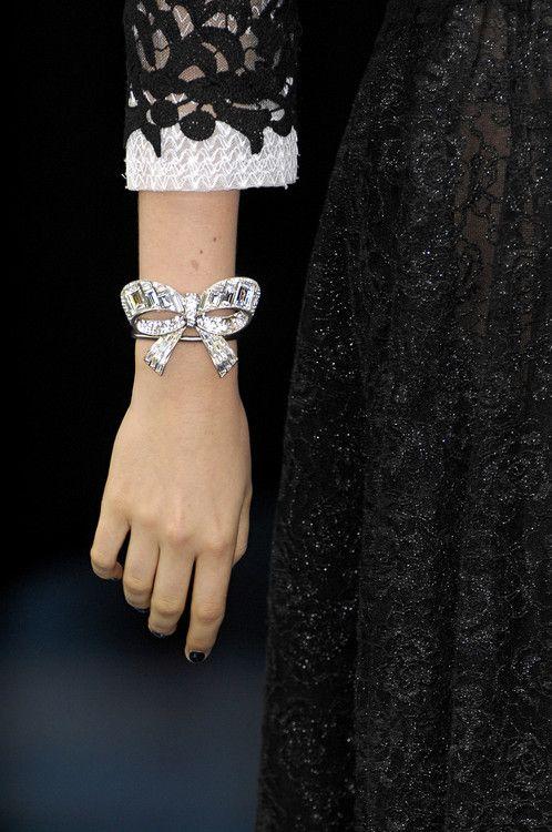 Détail du défilé Chanel Printemps/Eté 2008 à Paris.
