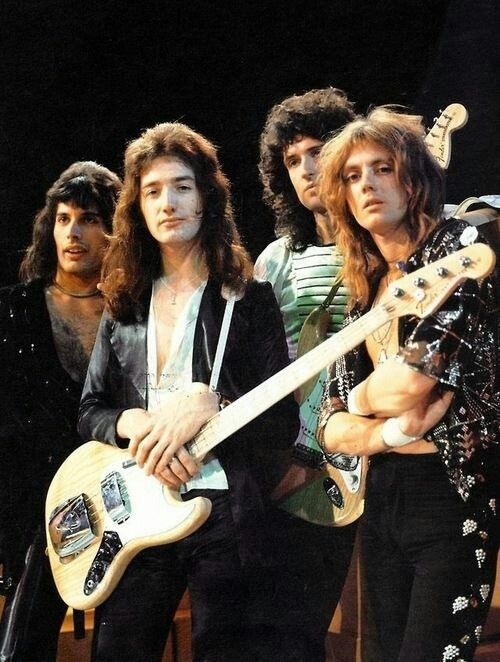Queen - One of the greatest bands ever!
