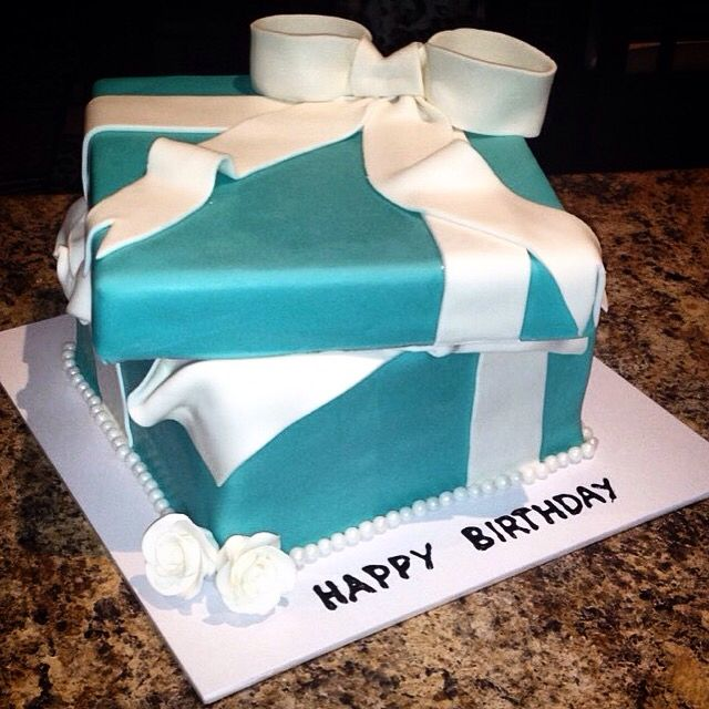 Tiffany box cake @thecakekeeper