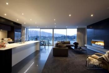 Stepping out in style – contemporary duplex by architectural designer Allan Huntington