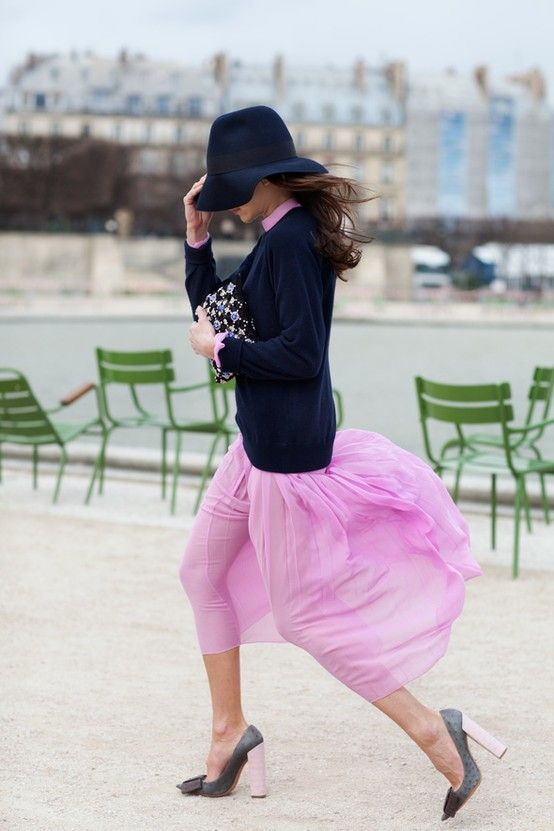 Street Style - Paris - Click for More...