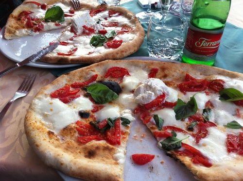 la vraie pizza de naples en italie un delice