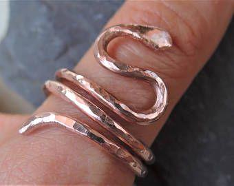 Rame anello serpente - anello di rame grezzo naturale - bobina gioielli anello - anello di rame di rettile - gioielli spirituali - martellato rame serpente - serpente