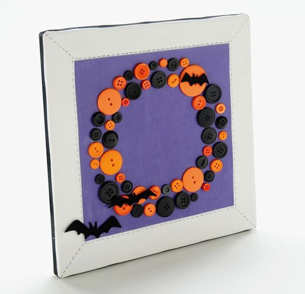 Halloween button DIY wreath using a square canvas