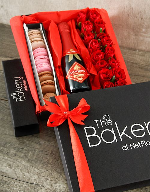 Buy Red Roses with Macaroons and JC Le Roux Online - NetGifts