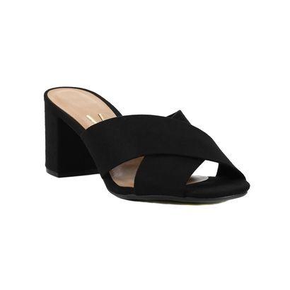 Compre Tamanco  Vizzano Preto na Zattini a nova loja de moda online da Netshoes. Encontre Sapatos, Sandálias, Bolsas e Acessórios. Clique e Confira!