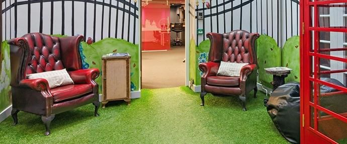Uber Office is a shared coworking space in London with a beautiful and inspiring environment. Facilities include a reception area, CCTV, kitchen and more.