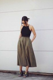 44 Gorgeous Feminine Pleated Midi Skirt Outfits Ideas For Winter