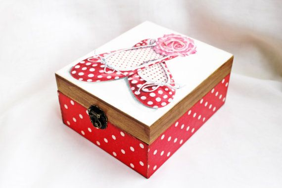 Hey, I found this really awesome Etsy listing at https://www.etsy.com/listing/259995399/wooden-jewelry-box-little-girl-jewelry