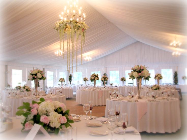 The abbey resort 39 s tent pavilion setting for your next for Table 16 personnes