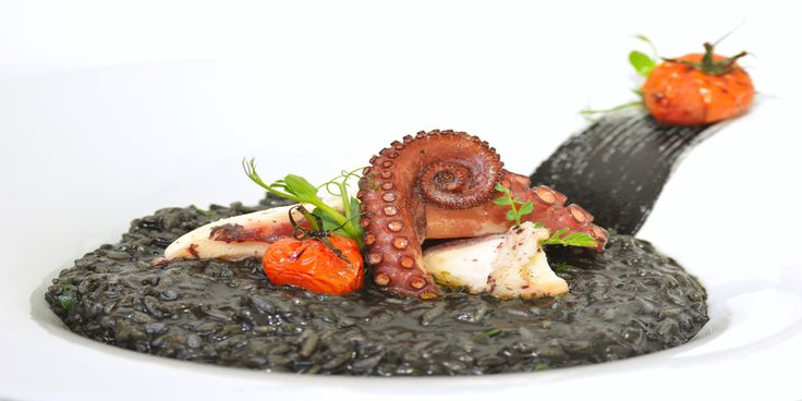 Risotto cu nero di seppia si caracatita sub semnatura Chef Nico Lontras la Hotel Simfonia ****