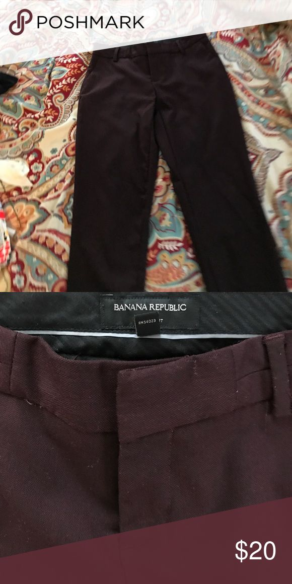 Banana republic dress pants sz 2 Banana republic maroon dress pants size 2. Skinny fit, herringbone pattern Banana Republic Pants Trousers