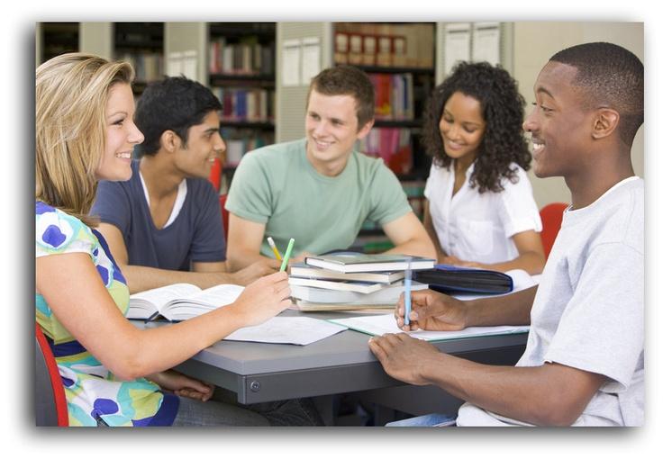 CORSI DELIVERY ENGLISH Gruppi di studenti alloggiano in appartamenti da noi selezionati e ricevono all'interno di questi un docente madrelingua inglese qualificato e certificato per l'insegnamento che tiene la lezione, in uno spazio utile e attrezzato della casa, al gruppo di ragazzi che ci abita. Scopri tutti i programmi: http://letstudents.wix.com/deliveryenglish