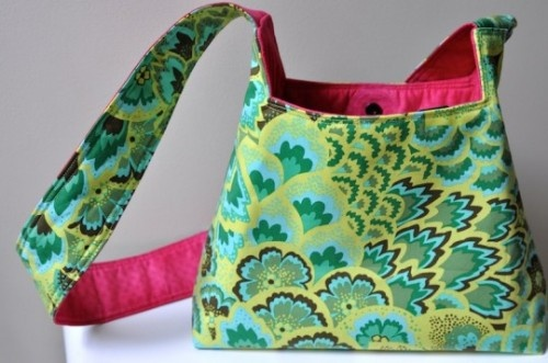 27 Trendy Free Handbag Patterns To Sew.  I may have already pinned many of these...