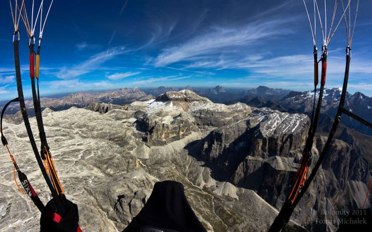 Top 16 Paragliding Sites Around The World