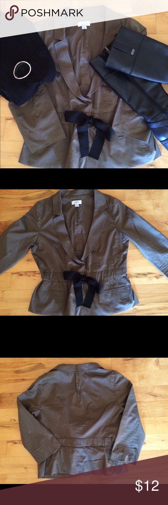 EUC Loft 💯% cotton blazer, size 8 Fully lined 100% cotton blazer has cinched waist with black grosgrain ribbon belt. Great for office with blouse, or weekend with tee. Excellent condition. LOFT Jackets & Coats Blazers