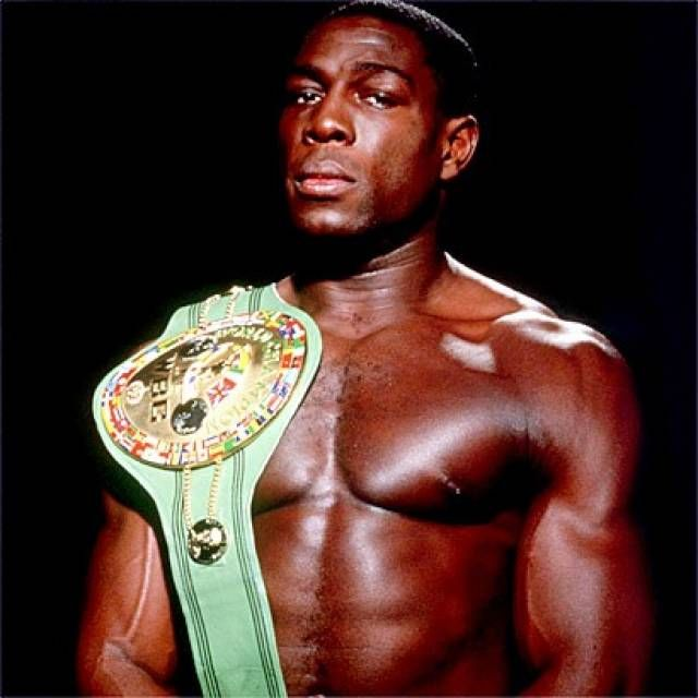Frank Bruno (WBC-H 40-5-0 UK)