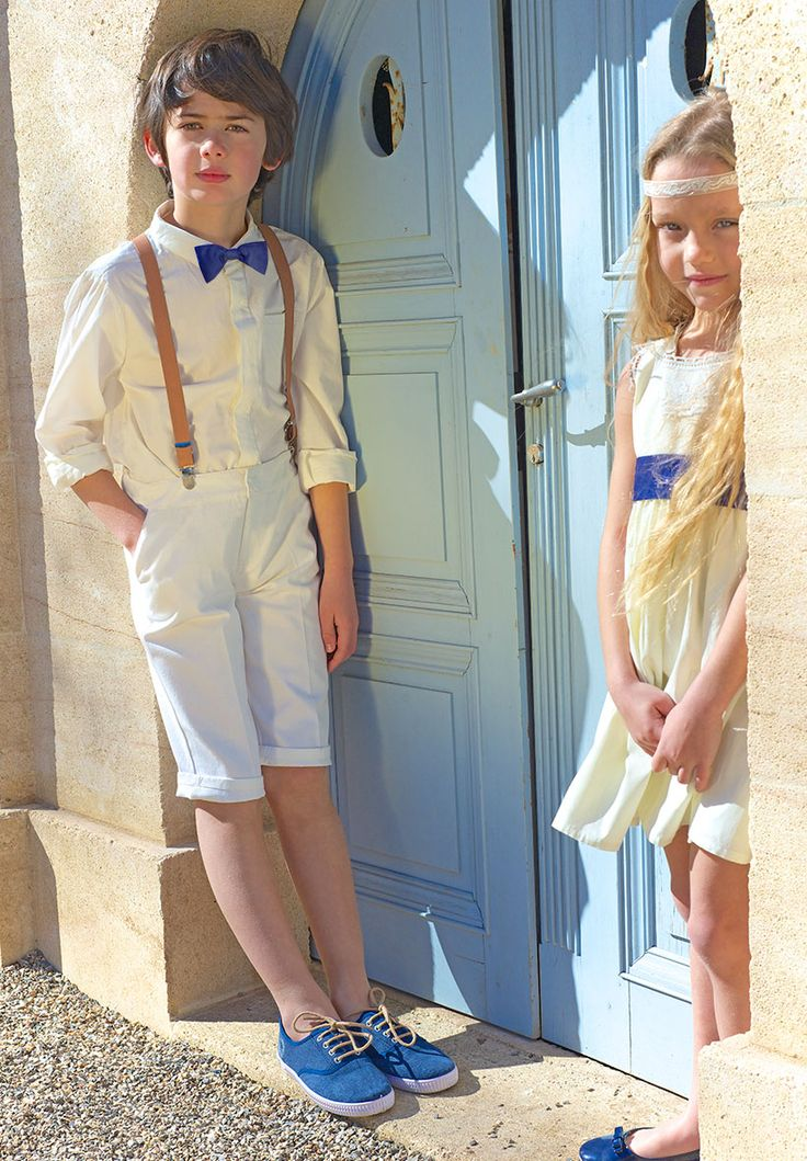 Voici une idée de petits ensembles ivoires pour vos enfants de cortège avec nos accessoires bleu et camel pour un look vintage.