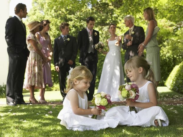 Discover inspiring ways to keep children entertained on your #wedding day.