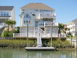 Live near the ocean and on golf course