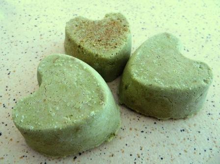 IMG_5274.JPG Bombes de bain à l'avocat et au thé vert dynamisantes http://tambouilles.blog4ever.com/bombes-de-bain-a-l-avocat-et-au-the-vert