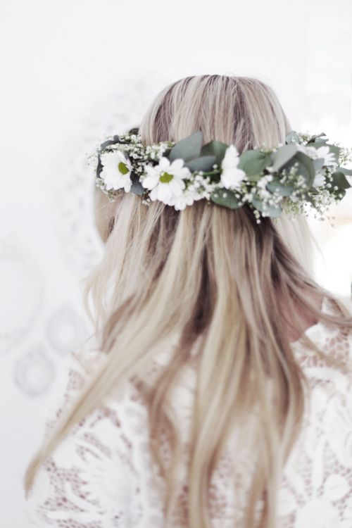flower head wreath {so pretty}Grey Hair, Hairstyles, Wedding Hair, Flower Headbands, Flower Crowns, Beautiful, Hair Style, Flower Girls, Floral Crowns