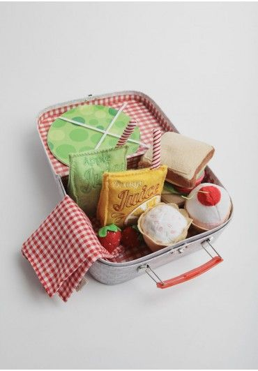Pretend picnic plush toys. How cute!