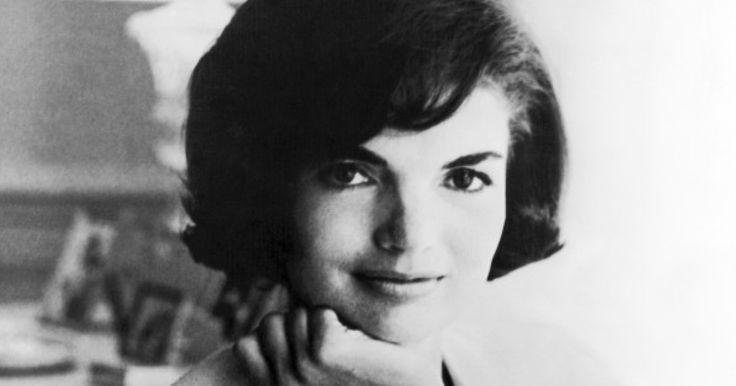 5月11日の「母の日」を前に、アメリカのキャロライン・ケネディ駐日大使は動画メッセージを発表し、自身の母、ジャクリーン・ケネディさんの思い出や、女性が働くことに対する意見を述べた。ケネディ大使は母親として、また女性として、ジャクリーンさんらから、多くの影響を受けたという。 第35代アメリカ合衆国大統領ジョン・F・ケネディ氏の夫人、ジャクリーンさんは1929年、ニューヨークのサウサンプトンで生まれた...