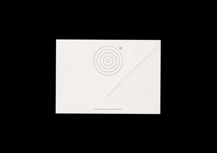 Identitet för IFL, Institutet för Företagsledning i Stockholm. Logotype, typografi, trycksaker, annonser, stationery m.m. I samarbete med annonsbyrån Alm & Co, Stockholm, 1996–97.