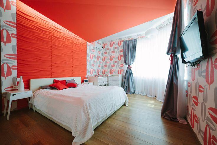С каким цветом сочетается красный: 75 потрясающих идей и вдохновляющих цветовых схем (фото) http://happymodern.ru/s-kakim-cvetom-sochetaetsya-krasnyj-75-foto/ В интерьере спальни лучше использовать не красный цвет, а его оттенки Смотри больше http://happymodern.ru/s-kakim-cvetom-sochetaetsya-krasnyj-75-foto/