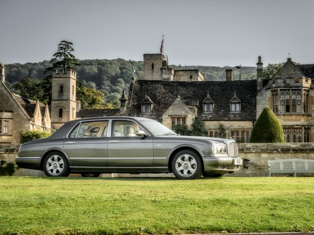 Azure Luxury Cars provide couples with luxury #wedding transport and a complimentary glass of champagne. #Gloucestershire